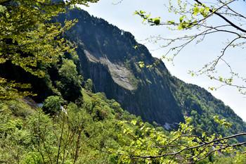 DSC_3552称名川の断崖.JPG