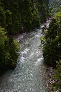 DSC_3743奥鐘橋から黒部川上流を見る.JPG