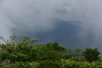DSC_4001蛭ヶ岳頂上かから檜洞.JPG