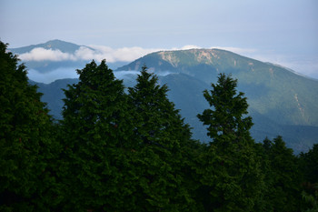 DSC_4084表尾根と大山.JPG