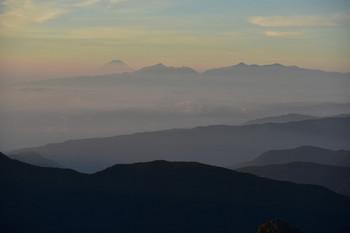 DSC_4770富士と南アルプス遠望.JPG