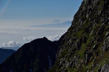 DSC_4819涸沢岳付近から富士.JPG