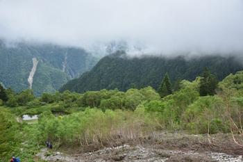 DSC_8679_池山尾根や鳳凰の雲が上がって.jpg