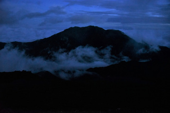 DSC_8822 (3)_夜明け前の仙丈ヶ岳.jpg