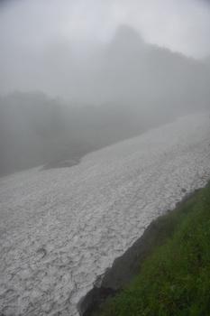 DSC_8854_右俣の雪渓の下部.jpg