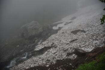 DSC_8871_雪渓の終焉点.jpg