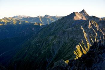 _DSC_0527槍と裏銀座の山々.JPG