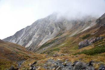 _DSC_1366大雪渓上部のカール上の谷.JPG