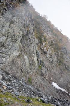 _DSC_1382左岸の岩壁.JPG