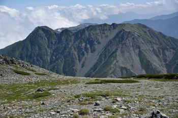 _DSC_9652_01間ノ岳頂上から農鳥岳.JPG